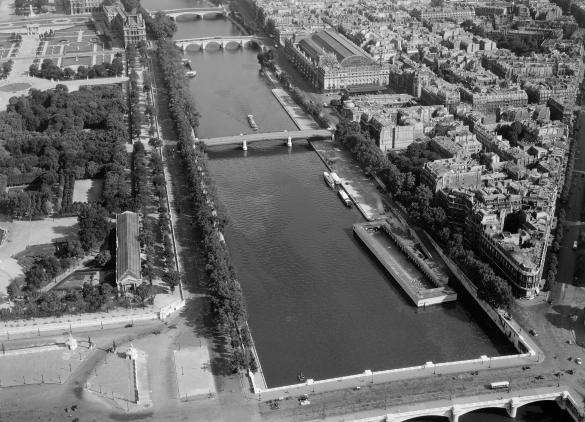 Vue a rienne de paris la seine du pont de la concorde au for Carrelage du sud boulevard saint germain