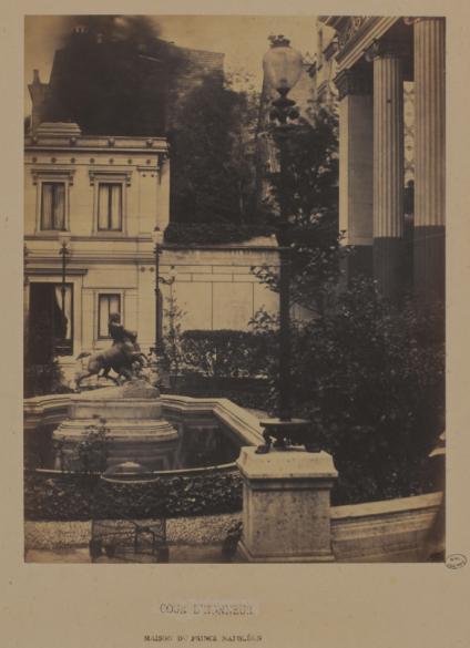 Maison pomp ienne du prince napol on 18 avenue montaigne for Terrasse et cie paris 18