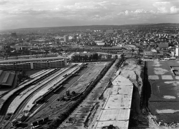 Vue a rienne de paris boulevard p riph rique en construction entre les por - Boulevard peripherique de paris ...