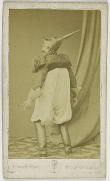 Portrait Dun Danseur Comique Du Quadrille Des Clodoches Photographie De Franck Franois Gobinet Villechole Dit 1816 1906 Carte Visite Recto