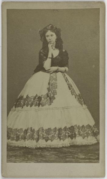 Portrait De Cora Pearl Dite Elisabeth Emma Crouch 1835 1886 Courtisane Carte Visite Recto Tirage Sur Papier Albumine Avant 1876