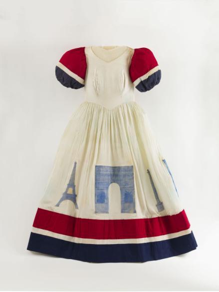 Robe Tricolore Décorée Avec Des Monuments Parisiens Paris