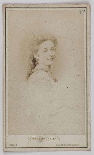 Portrait De Georgette Vernet Danseuse Et Violoniste
