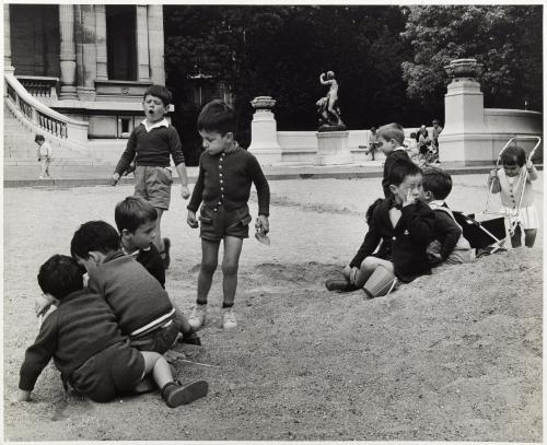 Terrain de jeux d 39 enfant mus e galli ra 16 me - Jardin du luxembourg enfant ...