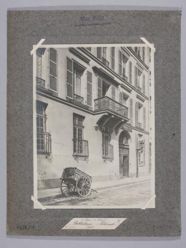 http://parismuseescollections.paris.fr/sites/default/files/styles/pm_notice/public/atoms/images/CAR/pm_carph033295.jpg?itok=Z-Eo_Vzx