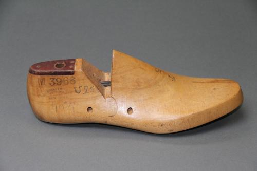 de Musées d'homme droitParis Forme chaussure Pied OkTXZiwPu